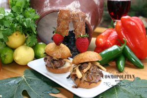 Short rib Sliders with fruit and vegetables